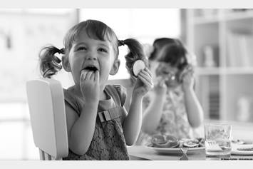 image of children eating