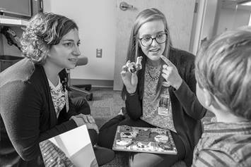 Craniofacial Speech Pathology fellow working with patient