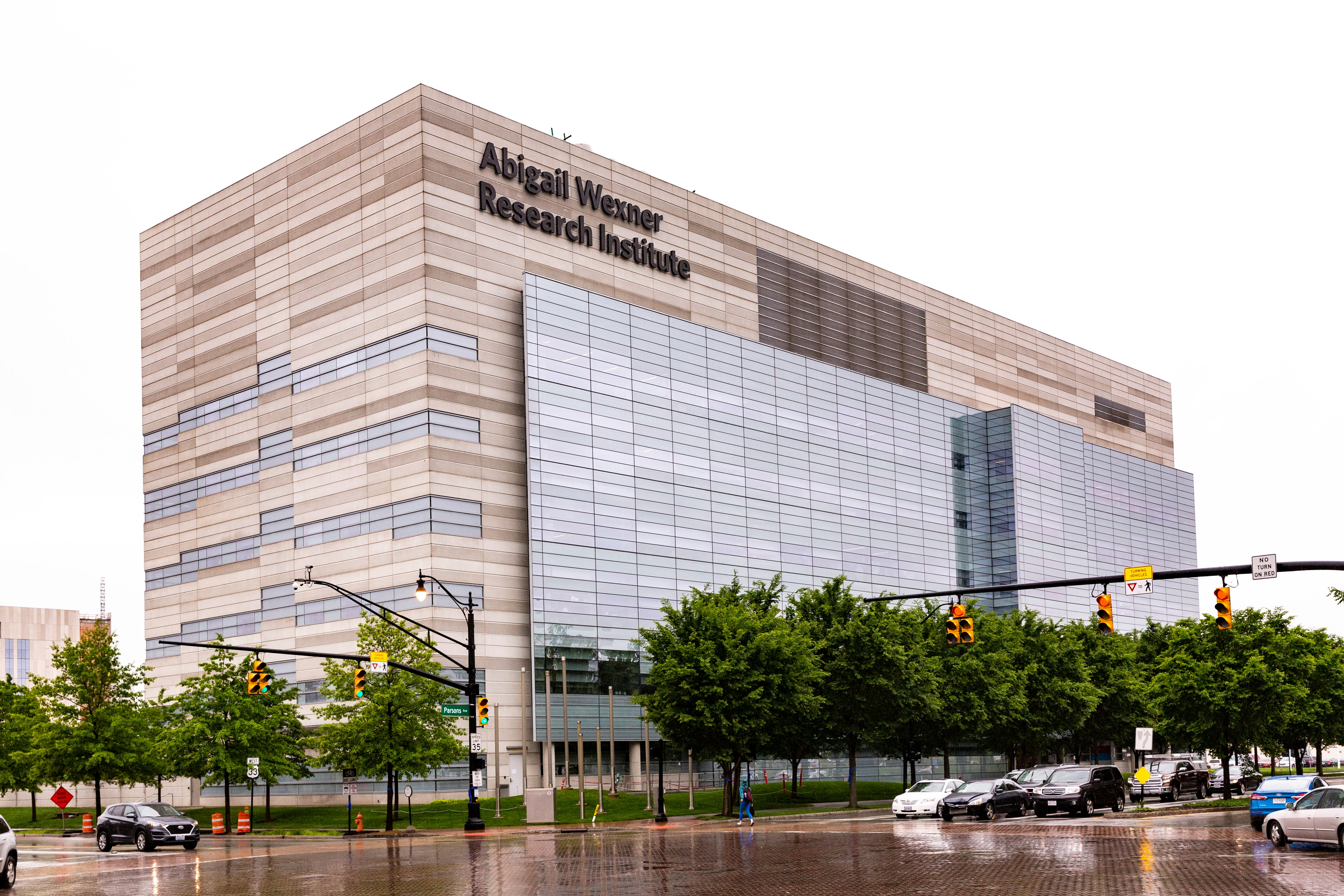 Nationwide Children's Hospital Dedicates Abigail Wexner Research Institute at Nationwide Children's Hospital